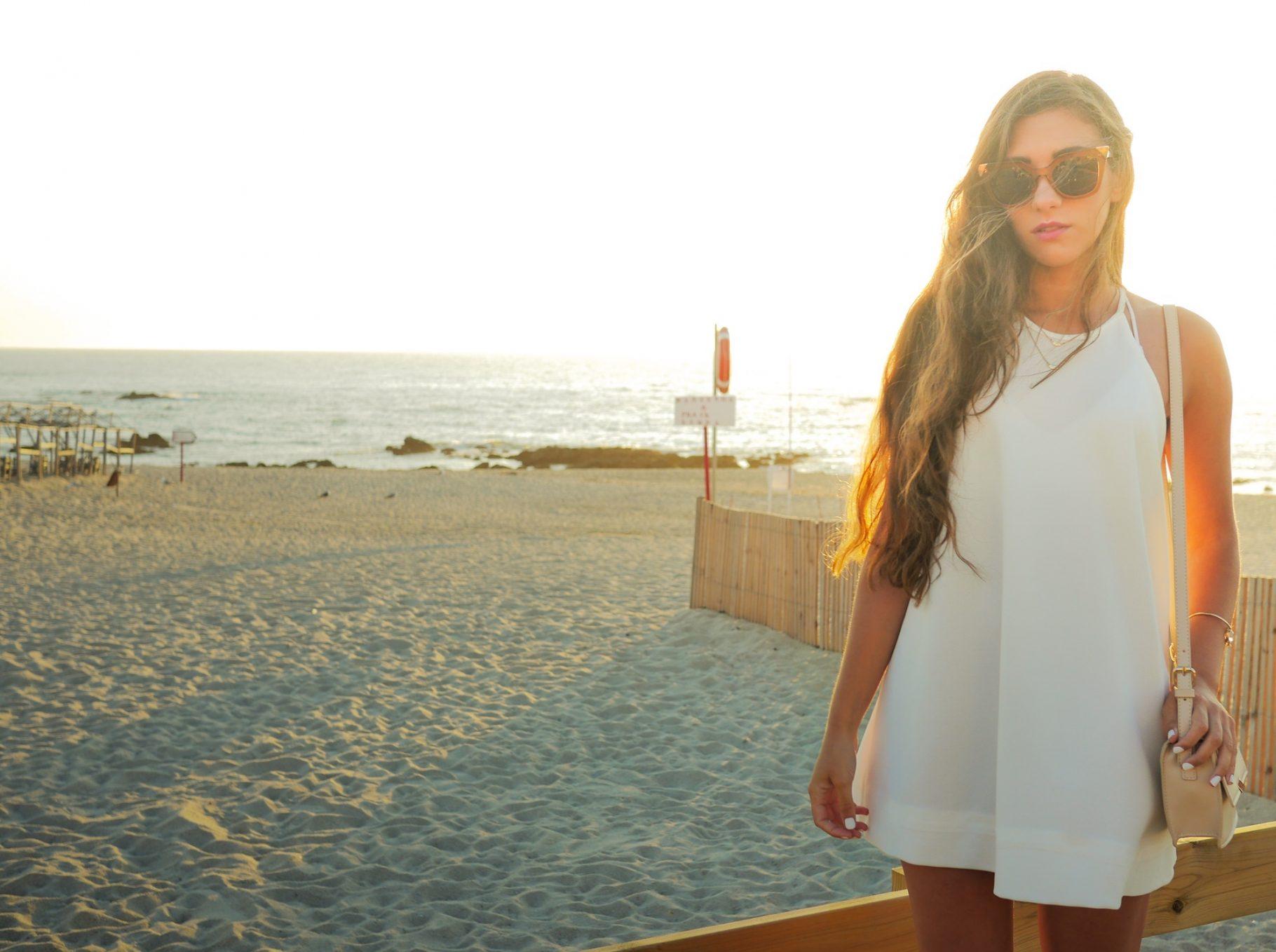 Look: Kurzes weißes Kleid