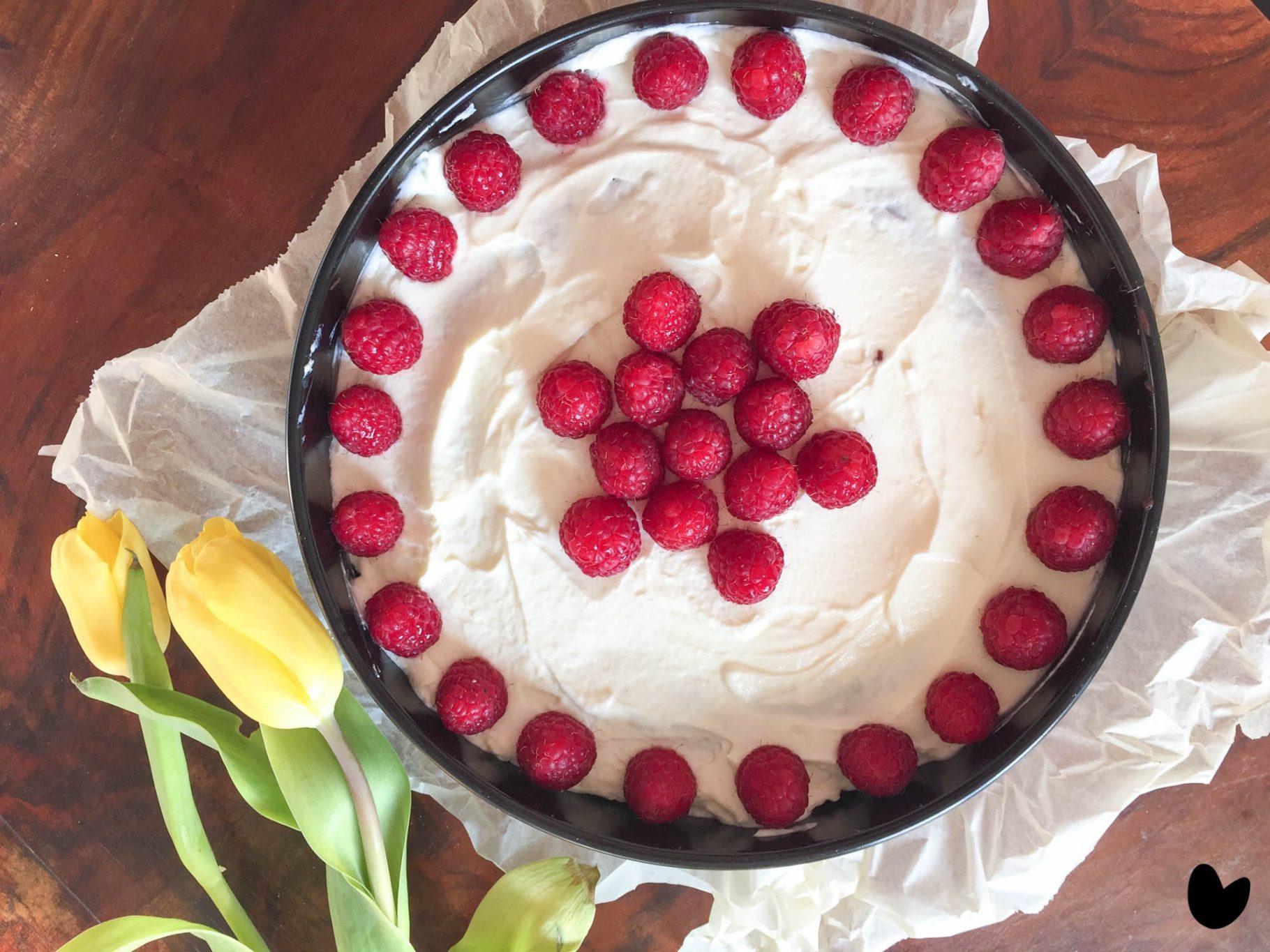 Brownie-Torte mit Frischkäse-Topping